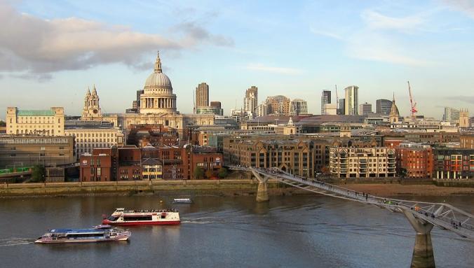 2013_12_19_BLOGI_St Paul_Thames_Tate Modernista nahtyna_vaaleampi_WEB_IMG_2273_PHA