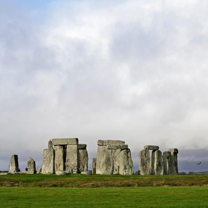 2015_05_31_Stonehenge_aurinko_sinista taivasta_korpit_WEB_MG_1104_PHA