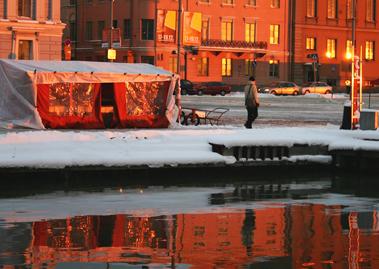 2015_11_27_BLOGI_Kauppatori kylpee talviauringossa_PHA